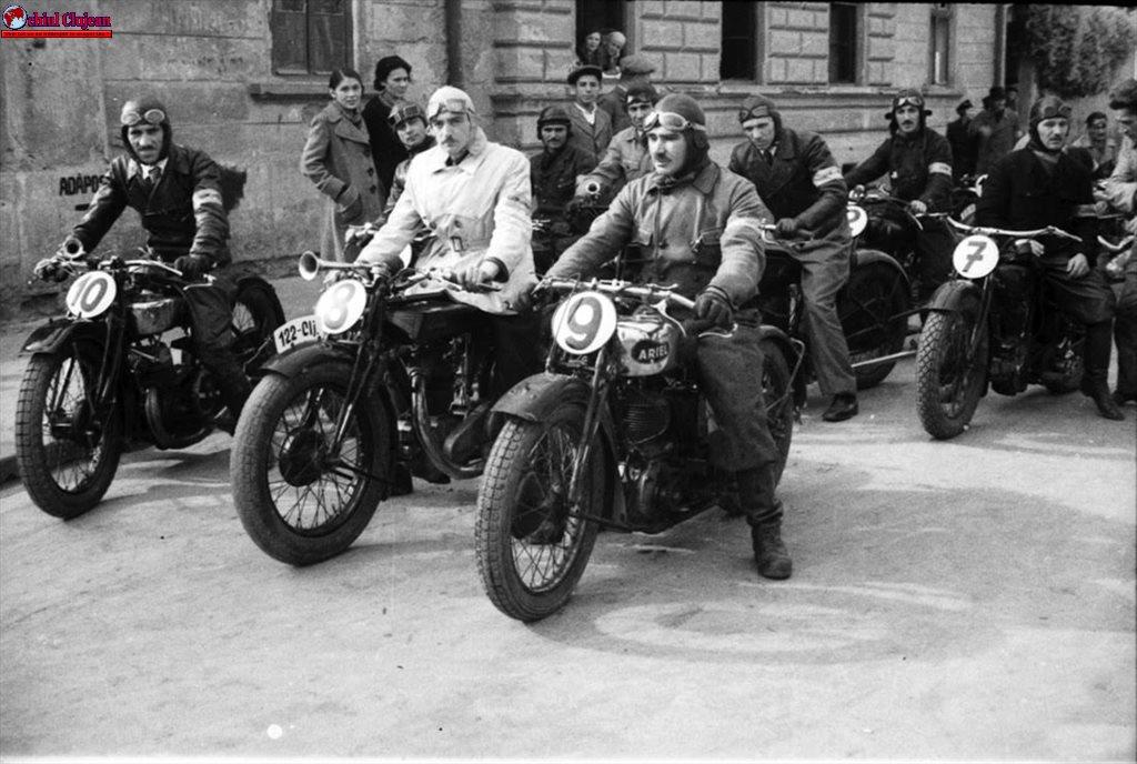 """Expoziția de fotografie """"Concursuri de mașini și motociclete în Clujul de altadată"""""""