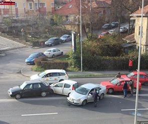 Accident pe Calea Turzii! Patru mașini implicate FOTO
