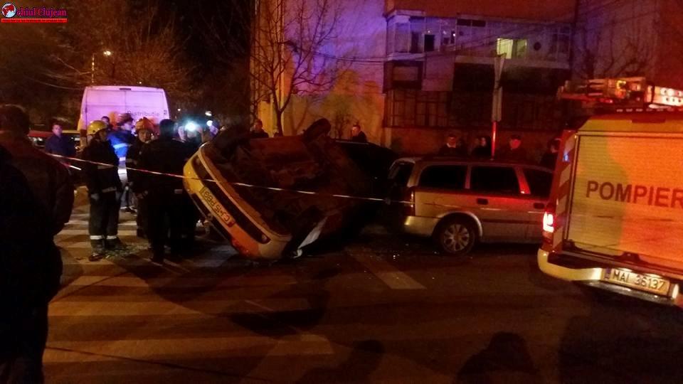 Accident în Mărăști! Un autoturism s-a răsturnat FOTO