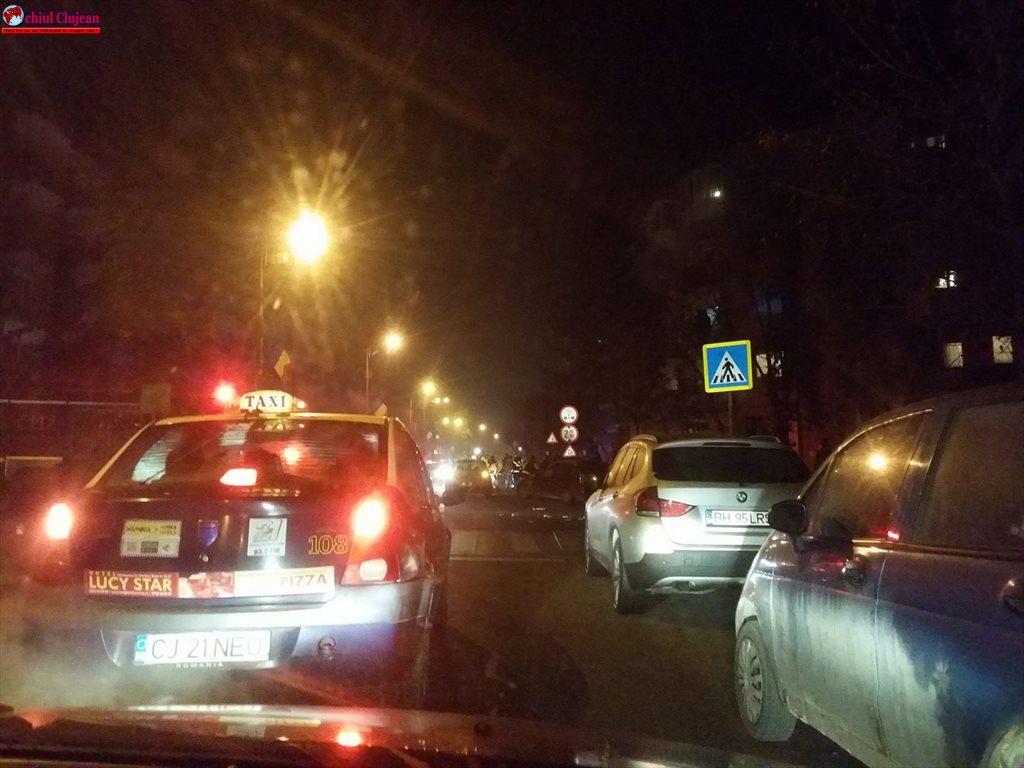 Femeie spulberată de mașină pe o trecere pentru pietoni în Grigorescu