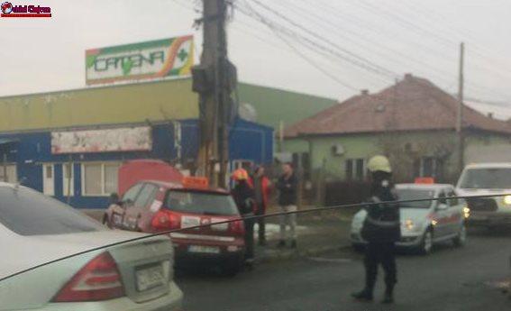 Accident pe strada Traian Vuia! Coliziune între o mașină de școală și un Mercedes FOTO