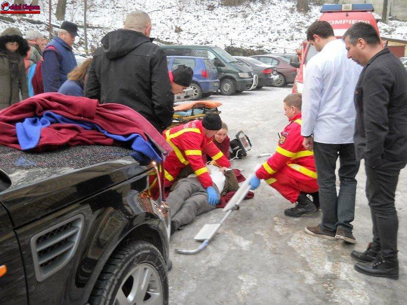 Directorul IML Cluj a rămas înconștient după o cădere pe gheață în curtea instituției