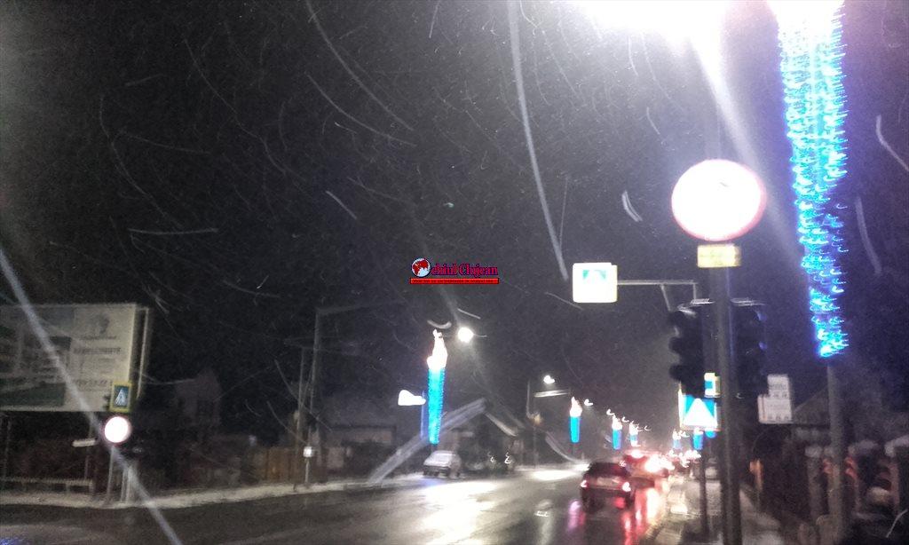 Florești: Semafor nefuncțional pe strada Avram Iancu. Pietonii riscă să fie luați pe capotă FOTO
