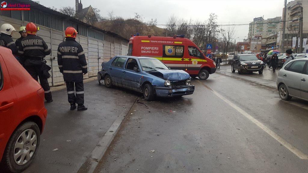 Accident în Mănăștur! Coliziune între un autoturism și un tramvai  UPDATE FOTO