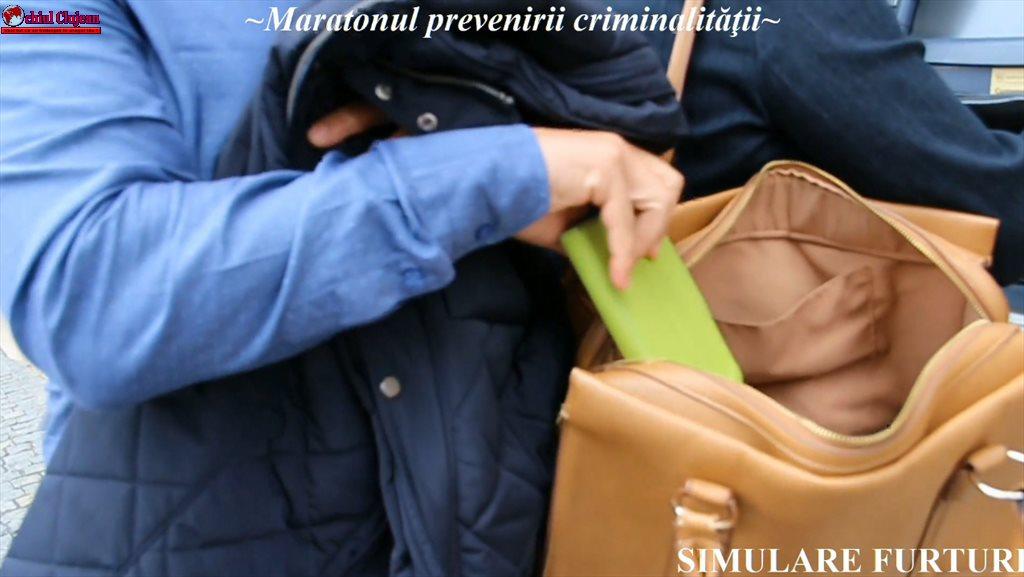 Activități ale polițiștilor pentru prevenirea infracțiunilor contra patrimoniului VIDEO