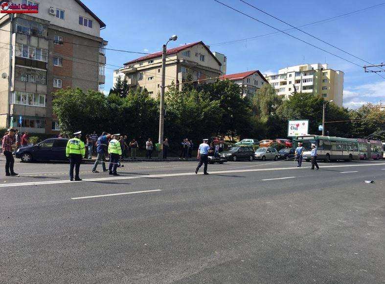 Pieton accidentat de un motociclist pe strada Izlazului FOTO