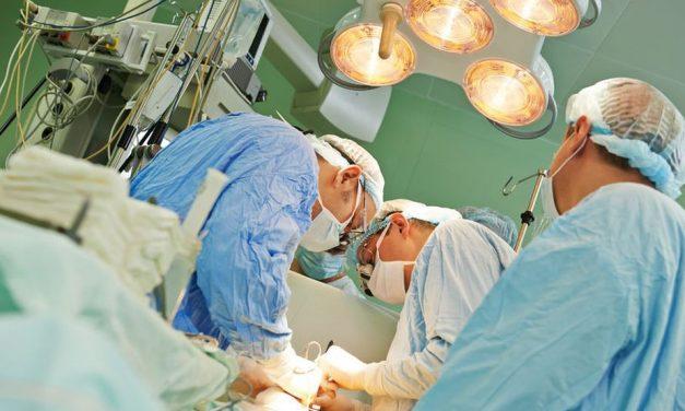 Primul transplant de cap a fost amânat. Cine este noul pacient care va fi supus intervenţiei