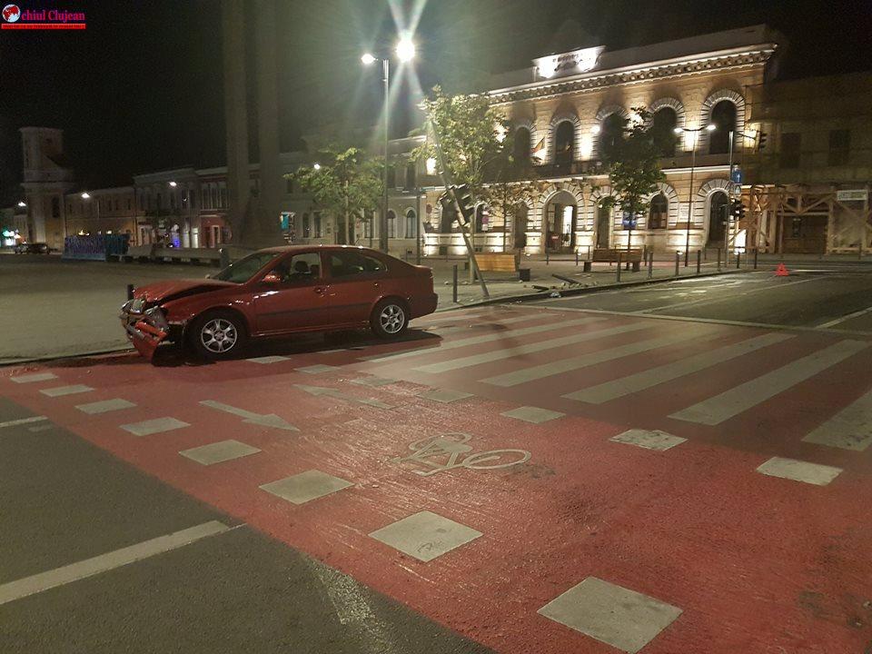Cluj: Accident în Piața Unirii produs de un șofer beat FOTO