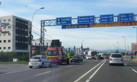 Accident la intrare în Cluj-Napoca! O persoană a fost rănită FOTO