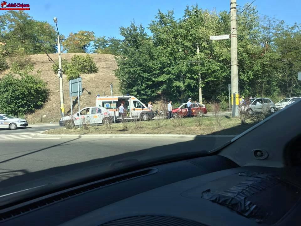 Femeie rănită în timp ce traversa strada regulamentar FOTO