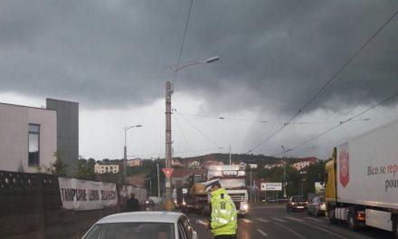 Razie în trafic la Cluj-Napoca. 14 permise reținute, 5 certificate de înmatriculare retrase, 11 pietoni amendați