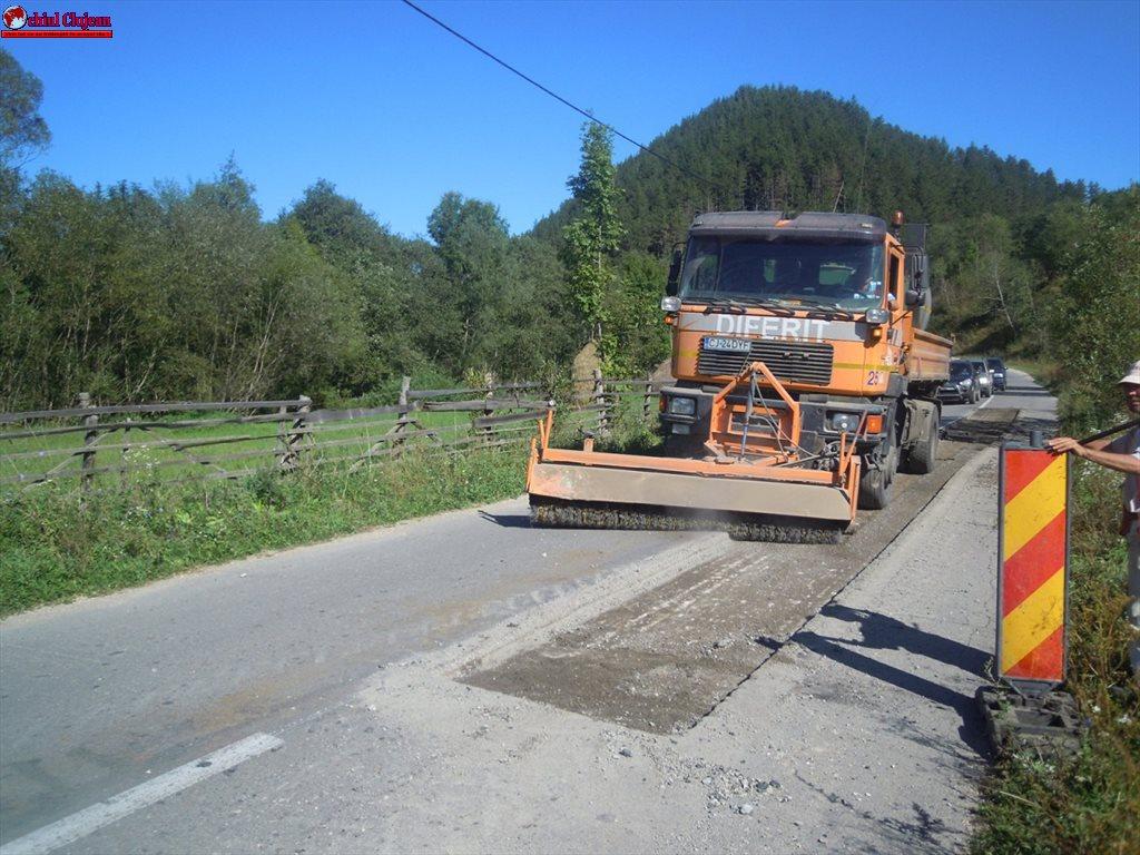Cluj: Drumul județean care duce spre Barajul Drăgan-Floroiu a intrat în reabilitare