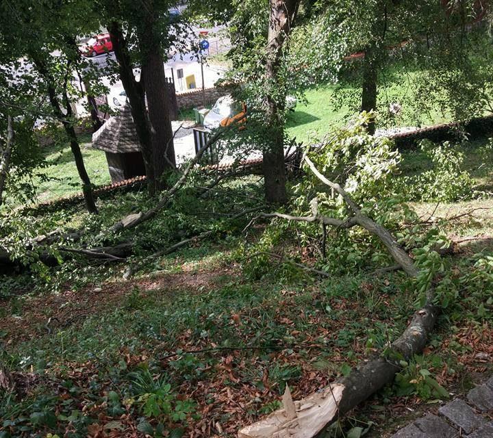 Cluj: Acces restricționat la Muzeul din Ciucea ca urmare a fenomenelor meteorologice extreme