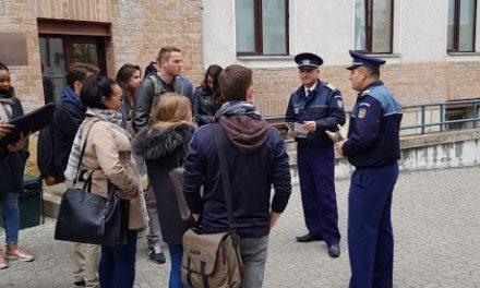 Polițiștii clujeni, alături de stundenți, la început de an universitar VIDEO