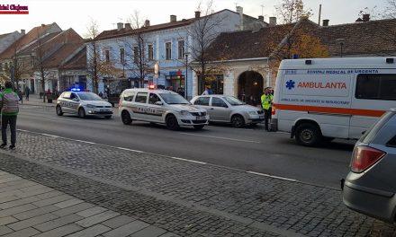 Pieton lovit de o ambulantă în centrul Clujului FOTO