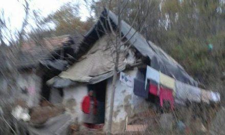 Clujeancă de 70 de ani, trăiește dintr-un ajutor social de 140 de lei, iar casa stă să cadă. Cum o putem ajuta FOTO