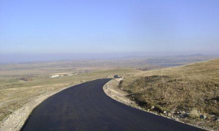 Cluj: S-au finalizat lucrările de asfaltare pe drumul județean 103J Sîncraiu – Aluniş  FOTO