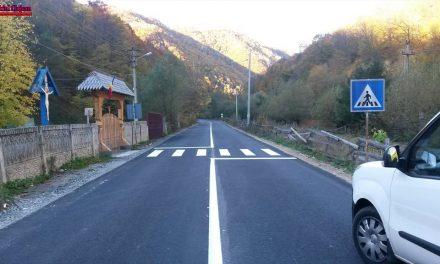Lucrări de marcaje rutiere pe mai multe drumuri județene FOTO