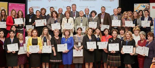"""Proiectul ISJ ,,Voluntari pentru educaţie"""", alături de alte două proiecte clujene,     premiate la Gala Edumanager 2017"""