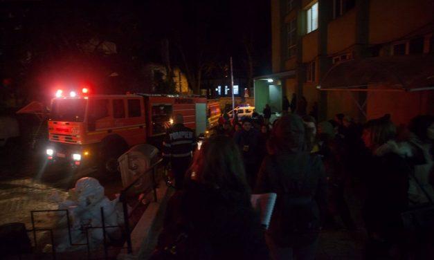 Incendiu la un cămin studențesc din Cluj-Napoca. 160 de persoane evacuate FOTO
