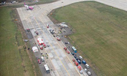 Exercițiu de simulare a unui accident aviatic pe Aeroportul din Cluj-Napoca FOTO-VIDEO