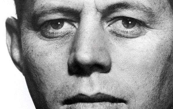 """Expoziṭie de fotografie ,,Un vizionar american: Viaṭa ṣi vremurile lui John F. Kennedy"""""""