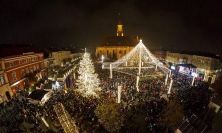 Târgul de Crăciun a fost deschis la Cluj-Napoca FOTO