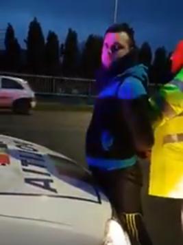 Accident în Florești! Persoană încătușată de polițiști FOTO- VIDEO