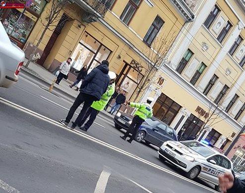 Accident pe Memorandumului UPDATE VIDEO! Persoană încătușată de polițiști