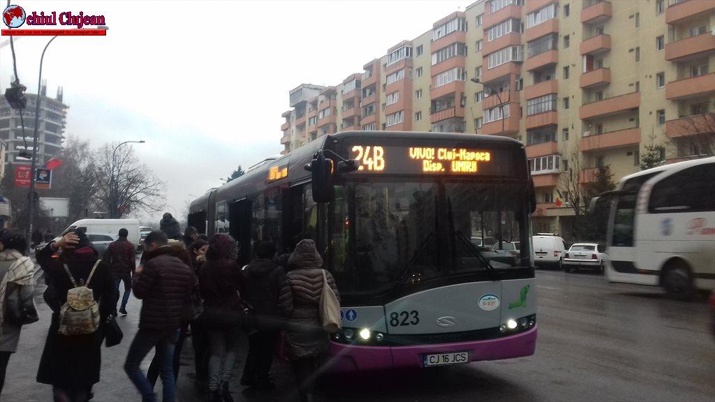 Cluj: Bătaie într-un autobuz pentru că unul nu purta mască
