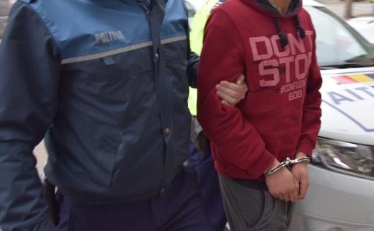 Cluj: Reținut de polițiști după ce s-a masturbat în mașină. Acosta femeile pe stradă