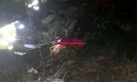 Un șofer s-a răsturnat cu mașina în Bucea FOTO
