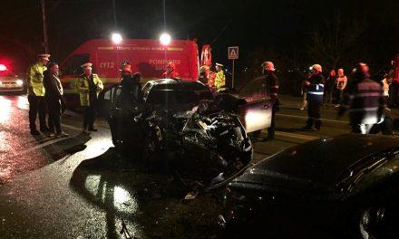 Accident pe Bulevardul Muncii. Trei autoturisme implicate FOTO-VIDEO