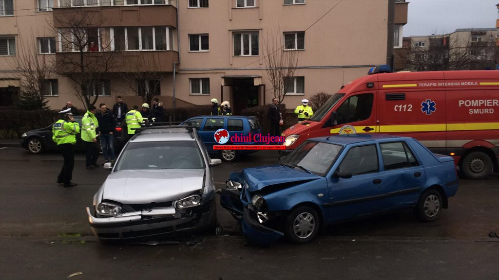 Accident cu trei mașini pe Fabricii de Zahăr FOTO