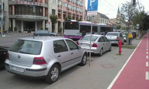 Cluj-Napoca: Amenzi de 5600 de lei pentru ocuparea abuzivă a locurilor de parcare pentru persoane cu dizabilități