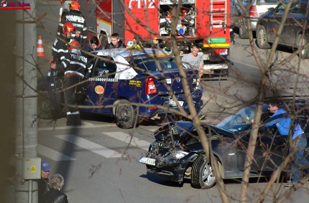 Accident pe strada Primăverii. O persoană a ajuns la spital VIDEO