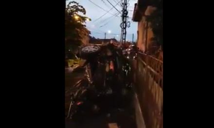 Impact violent între două autoturisme în Turda VIDEO