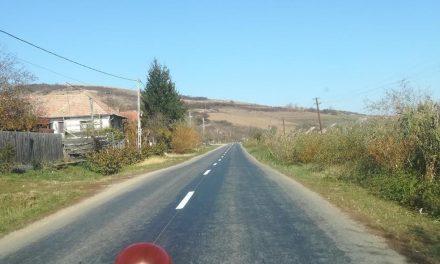 Lucrări de marcaje rutiere pe 43 de km de drum în județul Cluj FOTO
