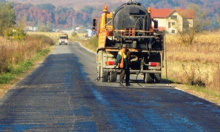Cluj:  Lucrări de asfaltare pe ultimele două sectoare ale drumului judeţean DJ 161D