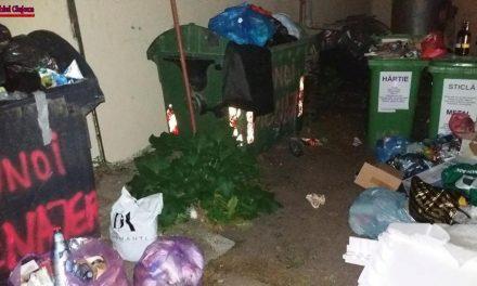 """Clujean: """"Așa arată punctul de colectare al gunoiului de la blocul nostru.Pentru ce plătim? """"FOTO"""