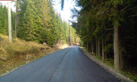 S-a finalizat asfaltarea sectorului de drum care leagă Staţiunea Băişoara de pârtia de schi Buscat
