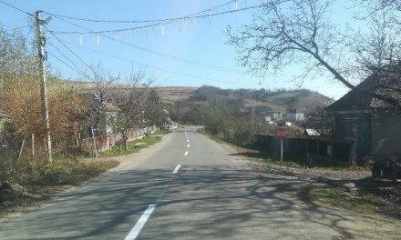 Lucrări de marcaje rutiere pe drumul județean  Pata – Boju   FOTO