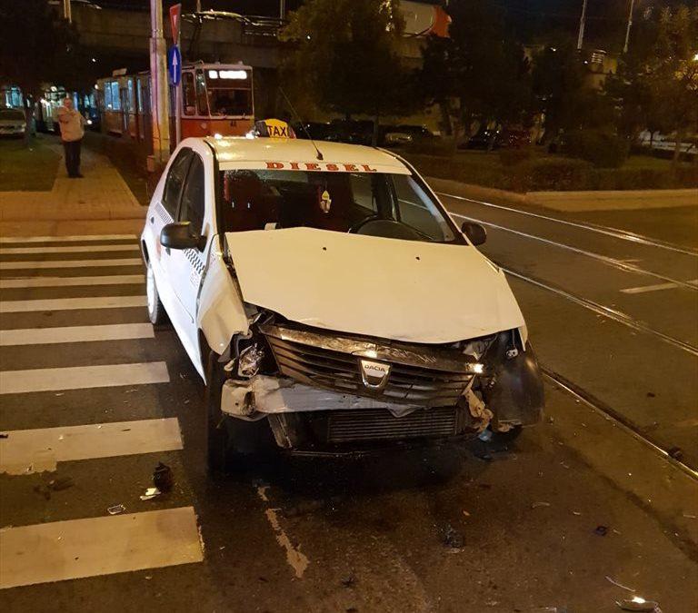 Impact între un taximterist și un tramvai în Mănăștur FOTO