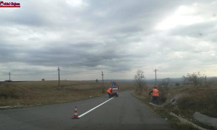 Cluj : Lucrări de marcaje rutiere pe drumurile judeţene 161 (DN 1C) și 103G (DN 75) FOTO
