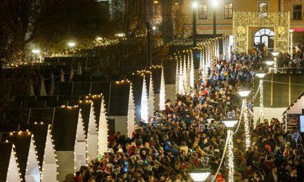 S-a deschis Târgul de Crăciun din centrul Clujului
