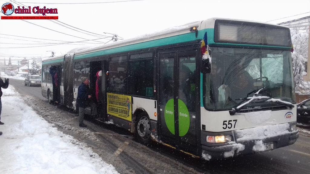 Floreștiul sub zăpadă! Transportul în comun a fost oprit FOTO