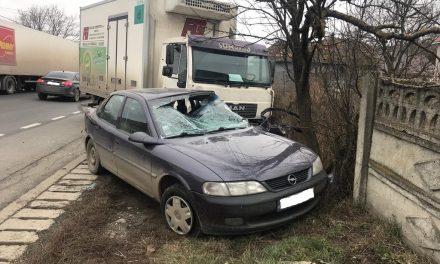 Coliziune între o autoutilitară și un autoturism, la Nima. O persoană rănită grav  FOTO