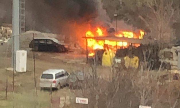 Incendiu lângă Iulius Mall! O rulotă a fost distrusă de flăcări  FOTO