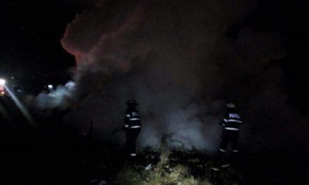 Barăcile de la Pata Rât au fost distruse de flăcări. Mai multe persoane au rămas fără adăpost