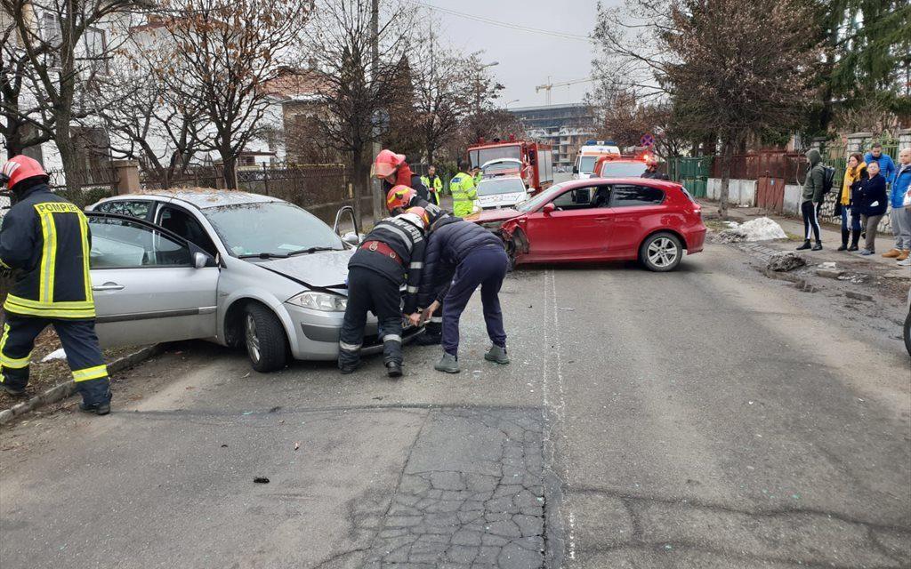 Șofer beat la volan. A provocat un accident în Piata Ion Agârbiceanu FOTO